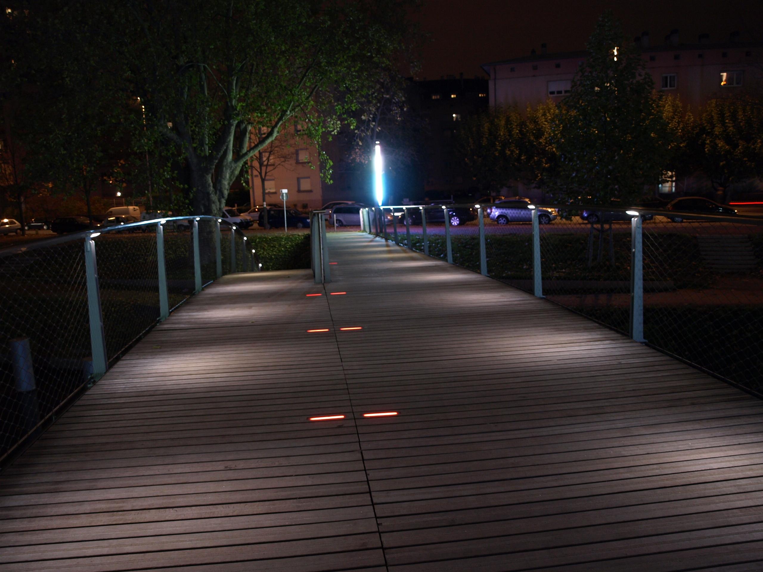A2gg projcteurs d 39 clairage et luminaires led pour for Quelle puissance led pour eclairage exterieur